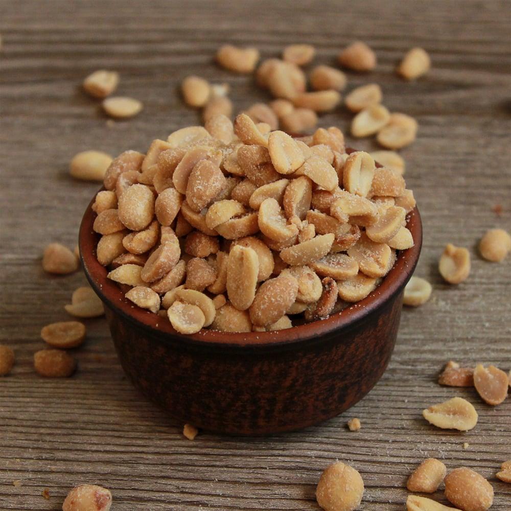 Миска с арахисом