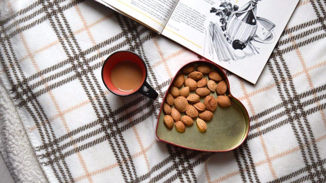 Орех миндаля и его полезные свойства