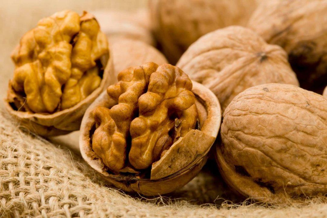 Какие витамины содержатся в орехах таблица