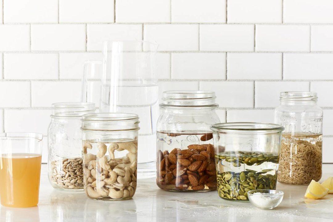 Чем обрабатывают грецкие орехи очищенные